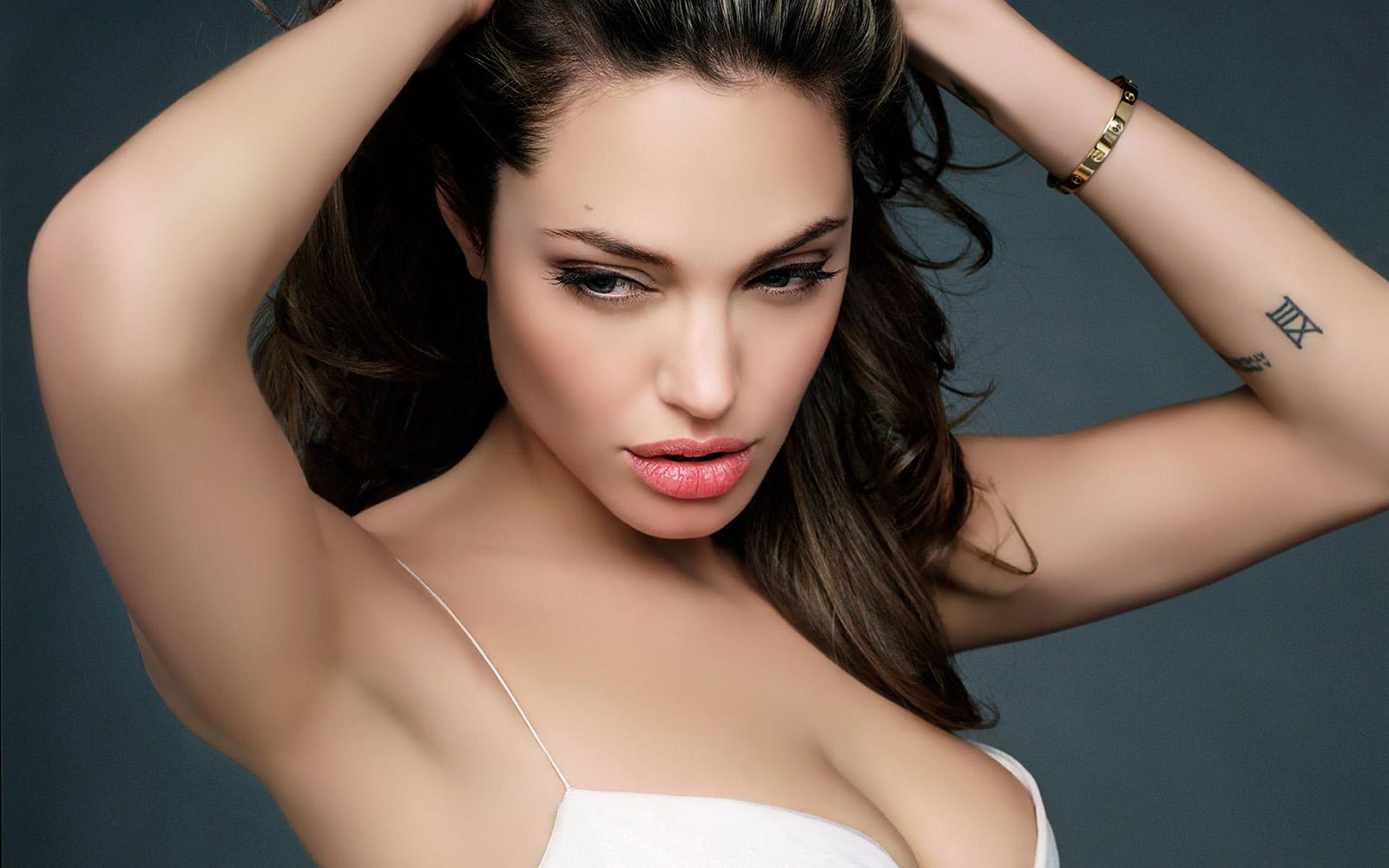 Angelina Jolie Hot Stills angelina jolie hot wallpapers | wallpapers box