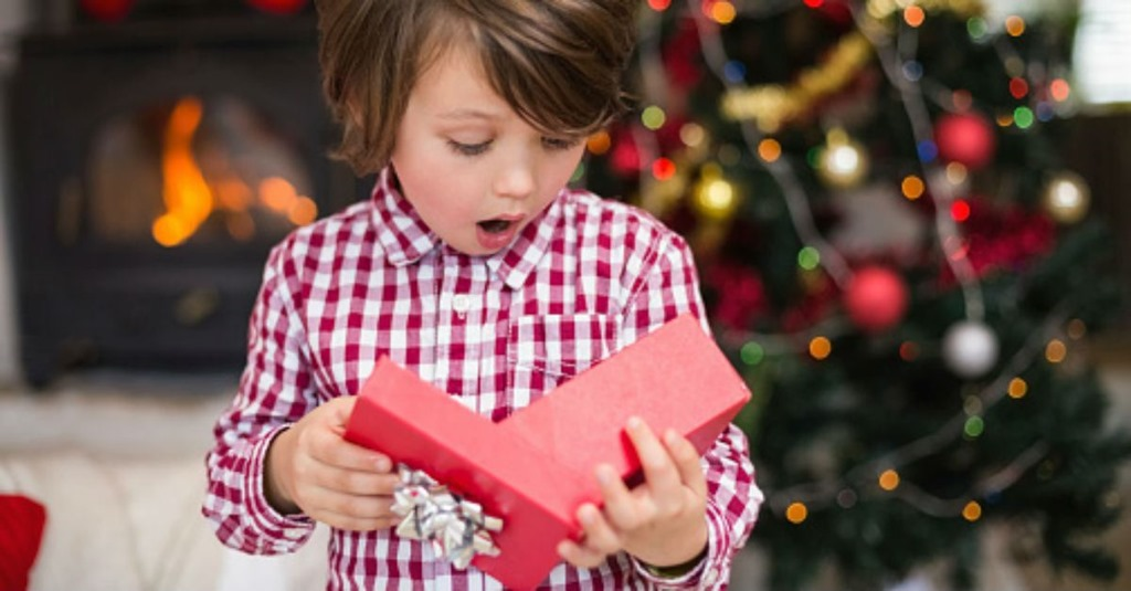 Christmas Gifts for the Kids: How Many Should They Get?