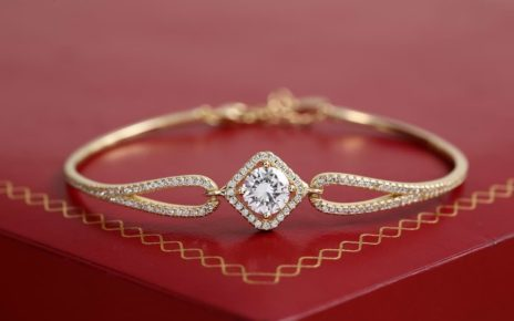 Gold bracelet buying guide